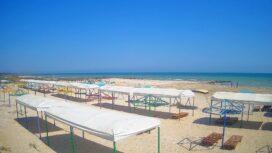 Пляж и море возле базы отдыха «Мотор»